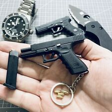 Glock G17 miniature collectable keychain  6.5×4.5cm metal slide ,EXCLUSIVE