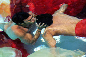 """TERRY HASTINGS """"Underwater Kiss"""" Fine ART Photography 20""""x30"""" on canvas"""
