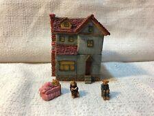 Boyds Boydsville Mr & Mrs Sitaspells Ol Grey Farm House Figurine Village 4015170