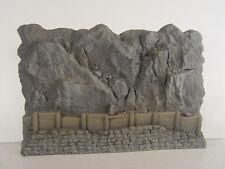 Felswand mit Steinschlag Verbauung -  Noch HO Mauerplatte 58152  #E