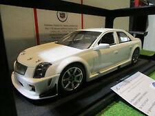 CADILLAC CTS-V SCCA blanc PLAIN BODY au 1/18 de AUTOART 80428 voiture miniature