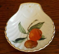 Royal Worcester 'Fireproof' Shell dish – Shape 52 size 3.