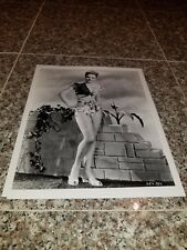 VINTAGE 8 X 10 PHOTOGRAPH FROM IRVING KLAWS ARCHIVES OF ALEXIS SMITH LOT #1