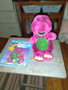 VINTAGE 1992 BARNEY PLUSH ANIMAL & 1993 BARNEY PAINT W/ WATER BOOK-PRE-LOVED!!!!