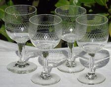 Thouvenin Vierzon - Lot de 4 verres à vin rouge en verre gravé. Début Xxe s.