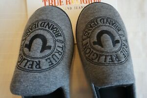 TRUE RELIGION MENS SLIPPERS SIZE 7-8 SMALL EXTREMELY SOFT INSOLE GREY/BLACK
