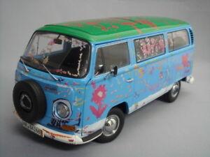 """SCHUCO 1:18 Volks Wagen T2a """"Die Ludolfs"""" Light Blue/Green Top from Japan"""