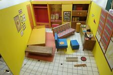 VINTAGE BARBIE DREAM HOUSE ORIGINAL 1962 CARDBOARD ORIGINAL NO REPRODUCTION