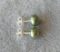 Wunderschöne winzige 7-8mm Grün Süßwasserperle 925 Silber Ohrstecker