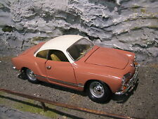 Yatming Volkswagen ( VW ) Karmann-Ghia 1966 1:18 Two Tone