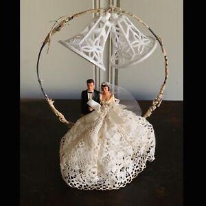 Vintage 1950's Wedding Topper w/ Ceramic Bride & Groom