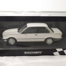 Bmw 323i e30 blanco 1982 1:18 Minichamps