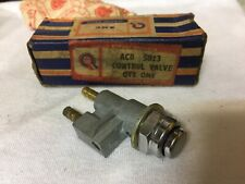 BMC ACB5823 Riley 4/68 4/72 1.5 Windsheld Washer Control Valve Trico Dash Mount