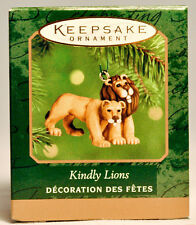 Hallmark: Kindly Lions - Noah's Arch Family of Animals - 2000 Miniature Ornament