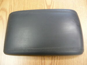2006-2011 Buick Lucerne / Cadillac DTS - Center Console Lid (black)