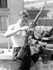 WW2 Photo WWII German Soldier Cleaning Mauser 98k World War Two Wehrmacht / 2444
