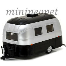 GREENLIGHT 18226 AIRSTREAM BAMBI 16' CAMPER TRAILER 1/24 DIECAST SILVER / BLACK