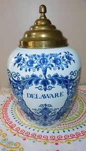 """Delaware Tobacco Jar 7 1/4"""" Williamsburg Delft Made by OUD in Holland"""