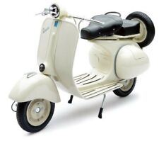Die Cast Model 1/6 Vespa 150VL 1T 1955 BEG Finished Model NEW RAY Japan Tracking