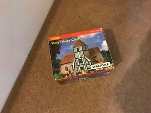 HORNBY SKALEDALE HOLY TRINITY CHURCH R8553, 00 GAUGE , BOXED
