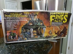 1983 LJN Fortress of Fangs Dungeons and Dragons Worn BOX ONLY