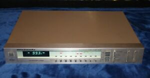 Marantz ST-521 stereo AM/FM tuner  Very nice condition   Works perfectly!