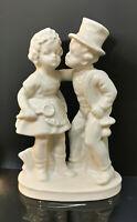 9942994-ds Wagner&Apel Porcellana Figura Schlotfeger-Paar Baciare Bianco H14cm