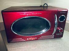 Nostalgia Rmo4Rr Retro Large 0.9 cu ft, 800-Watt Countertop Microwave Oven,12