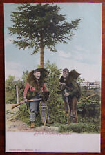 BRITISH COLUMBIA INDIANS BEAR HUNTING with RIFLES - Old Postcard