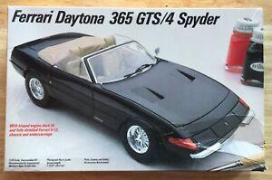 Testors/Italeri 230 Ferrari Daytona 365 GTS/4 Spider - Complete kit