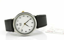 Runde Versilberte Armbanduhren mit 12-Stunden-Zifferblatt