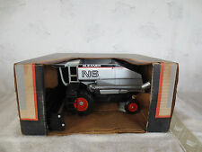 SCALE MODELS 1/24 ALLIS CHALMERS AGCO GLEANER N6 COMBINE FARM TOY