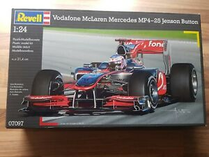 Revell Vodafone McLaren Mercedes 1:24 Jenson Button 2010 OVP