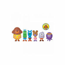 HEY DUGGEE SQUIRRELS FIGURINE SET WITH DUGGEE 5PC AND BADGE