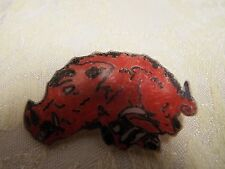 ARKANSAS RAZORBACK PIN/BACK EXCELLENT CONDITION SOME WEAR