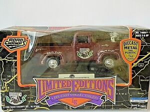 Road Champs Limited Edition 1956 Ford F100 Pickup Truck Hershey's
