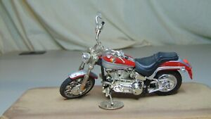 HOT WHEELS HARLEY DAVIDSON SOFTAIL DEUCE MOTORCYCLE RED AND SILVER