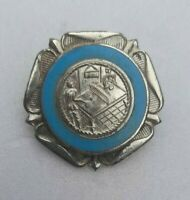 VTG NORTH MIDDLESEX TABLE TENNIS LEAGUE 1952-53 ENAMEL BADGE #4