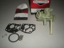 Briggs and Stratton 794161 Carburetor - Nos