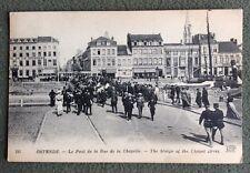 CPA. OSTENDE. Belgique. 1919?  Le Pont de la Rue de la Chapelle. Hôtels. Cafés.