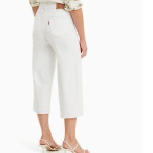 Neuf Levi'S Classique Jambes Larges Court Blanc pour Femme Taille 27 4