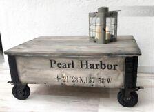 Handgefertigter Couchtisch  Tisch Vintage Design Truhe  Kiste Holztisch