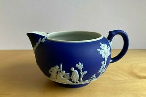 WEDGWOOD COBALT  BLUE  JASPERWARE DIP  CREAMER 1930