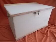 TRUNK wooden chest with padlock. Super XXL 1 m long