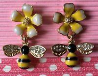 Kitsch funky Yellow enamel honey bee flower Stud Drop Earrings