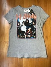 DEF LEPPARD NWT Graphic Band T Shirt Junk Food  Small (003)