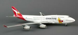 Blue Box BBOXQFA06 Qantas Airways B747-400 Kangaroo VH-OJU Diecast 1/200 Model