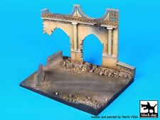 Black Dog 1/72 Iraqi Street Section with Partial Structure Diorama Base D72005