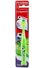3x Colgate Zahnbürste Kids 5+ Extra Soft, Motiv Fußball, Hellgrün
