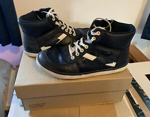 CLARKS NAVY LEATHER HIGH TOPS BOYS UK SIZE 13.5 - Very light Use, VG Condition